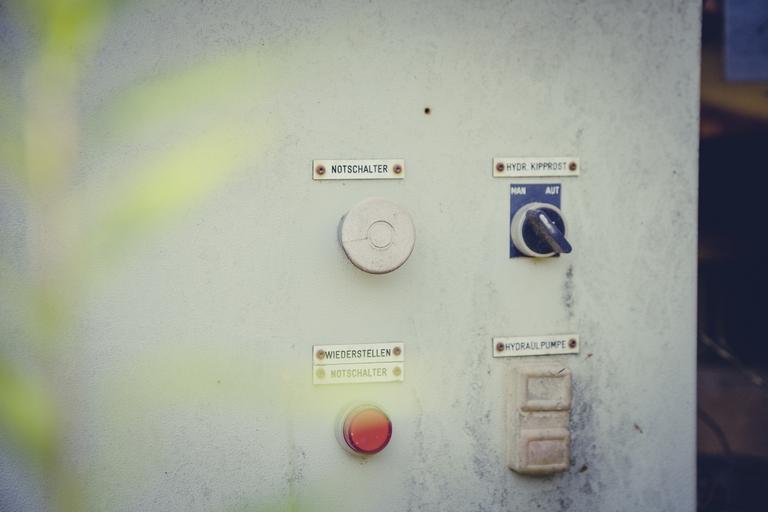 průmyslový vypínač
